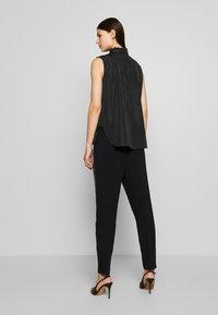 N°21 - Overhemdblouse - black - 2