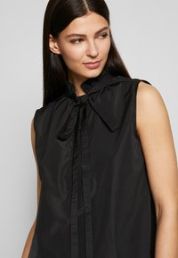N°21 - Overhemdblouse - black - 6