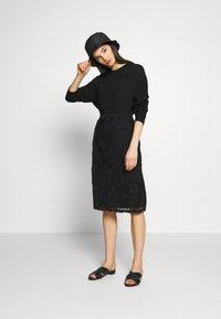 N°21 - Pullover - black - 1