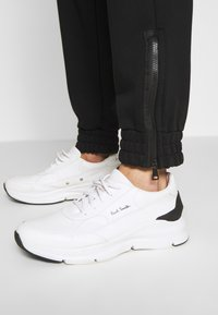 N°21 - Pantalon de survêtement - black - 3