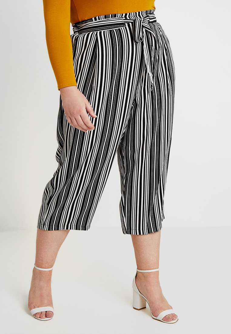 New Look Curves - VINNIE STRIPE EMERALD TIE WAIST CROP - Trousers - black pattern