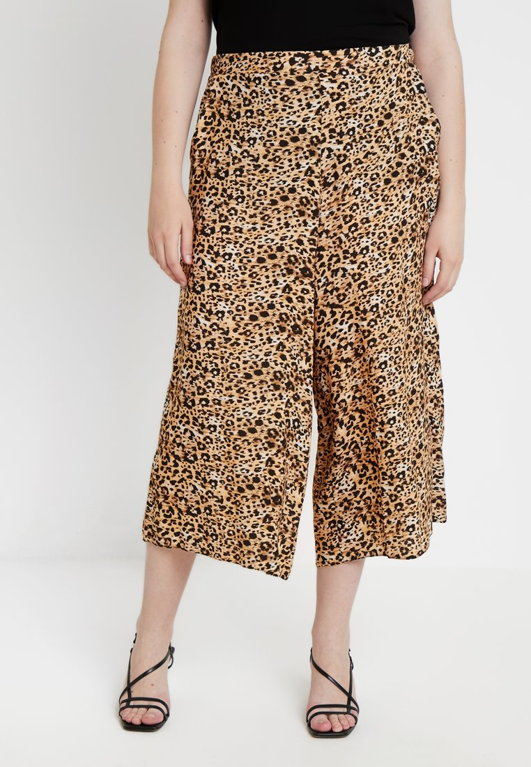 New Look Curves - BRUSH STROKE ANIMAL CROP - Pantalones - brown