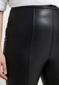 New Look Curves - Leggings - black - 5