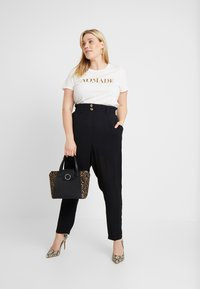 New Look Curves - X SOFT UTILITY TROUSER - Kalhoty - black - 2