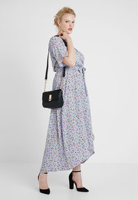 New Look Curves - GO HI LOW RENATA PRINT DRESS - Vestito lungo - blue - 1