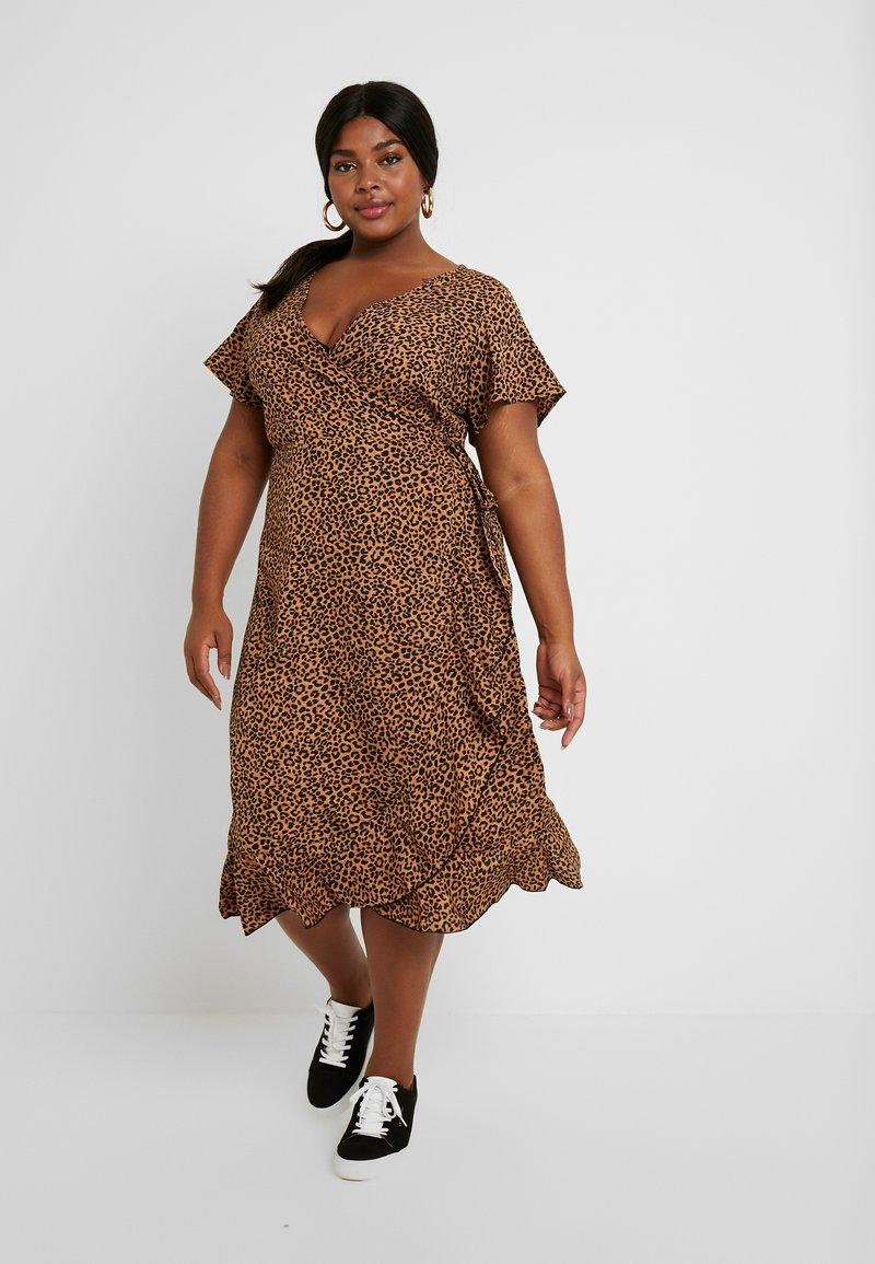 New Look Curves - BRIGHT SPRIG TIERED DRESS - Denní šaty - multi-coloured