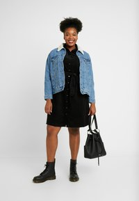 New Look Curves - BELTED DRESS - Shirt dress - black - 2