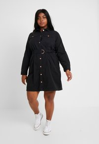 New Look Curves - CALLY - Robe en jean - black - 2