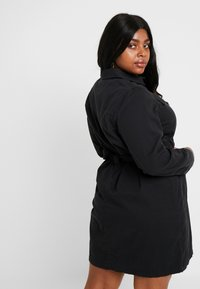 New Look Curves - CALLY - Robe en jean - black - 3