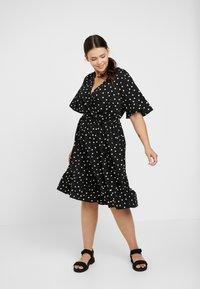 New Look Curves - SHARON SPOT TIERED DRESS - Korte jurk - black pattern - 1