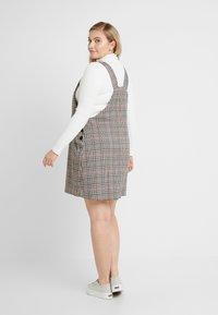 New Look Curves - CHARLOTTE CHECK PINNY - Robe d'été - cream - 2