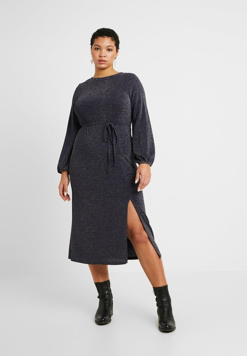 New Look Curves - METALLIC YARN DRESS - Jerseykjole - silver