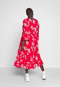 New Look Curves - X ULLA TIERED FRILL MAXI - Robe longue - red - 2