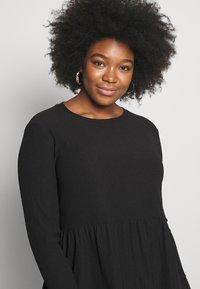 New Look Curves - CRINKLE SMOCK MINI - Jersey dress - black - 3