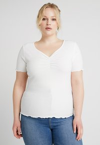 New Look Curves - CURVES LETTUCE ROUCHED FRONT - Jednoduché triko - white - 0