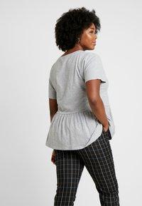 New Look Curves - PEPLUM HEM TEE 2 PACK - T-shirts print - grey - 2