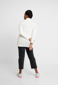 New Look Curves - SIDE SPLIT ROLL NECK - T-shirt à manches longues - off white - 2