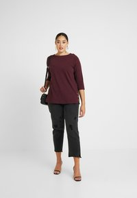 New Look Curves - SIDE BUTTON - T-shirt à manches longues - dark burgundy - 1