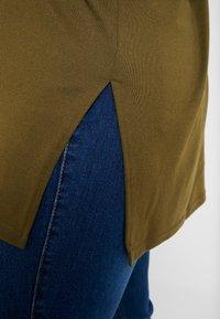 New Look Curves - BELLA V NECK - Svetr - khaki - 5