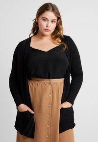 New Look Curves - CARDI - Sudadera con cremallera - black - 0