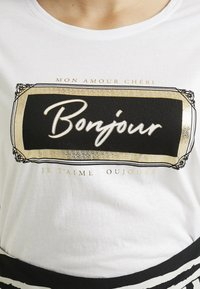 New Look Curves - JADORE BOXY TEE - T-shirt imprimé - offwhite - 4