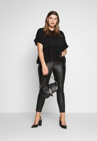 New Look Curves - FLOCKED PEPLUM - Camiseta estampada - black - 1