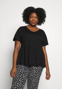 New Look Curves - Basic T-shirt - black - 0