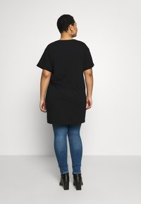 New Look Curves - SCRIBBLE FACE TEE - T-shirts med print - black - 2