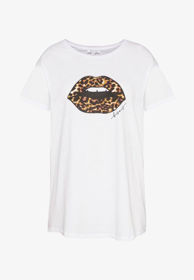 LEOPARD LIPS TEE - T-shirt z nadrukiem - white