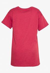 New Look Curves - GOOD THINGS ARE COMING TEE - Triko spotiskem - pink niu - 1