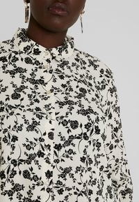 New Look Curves - PRINT - Košile - black - 5