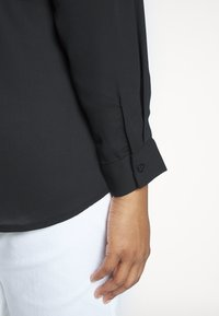 New Look Curves - PLAIN - Camisa - black - 3
