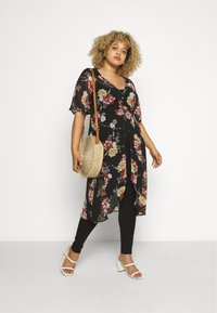 New Look Curves - TALLULAH KIMONO - Summer jacket - black - 1