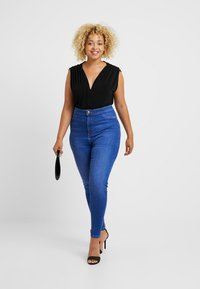 New Look Curves - DISCO BROMO - Jeans Skinny Fit - blue - 1