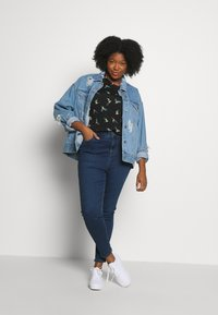 New Look Curves - LIFT & SHAPE JEAN  - Jeans Skinny - mid blue - 1