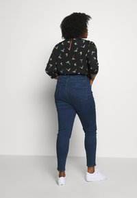 New Look Curves - LIFT & SHAPE JEAN  - Jeans Skinny - mid blue - 2