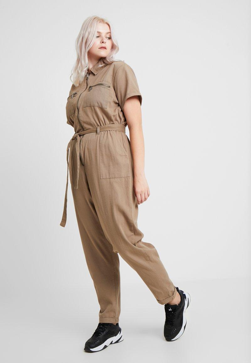 New Look Curves - SAMMY SHORT SLEEVE BOILERSUIT - Jumpsuit - dark khaki