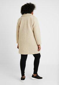 New Look Curves - BORG COAT - Zimní kabát - cream - 2