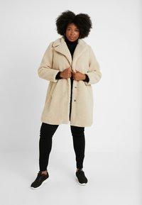 New Look Curves - BORG COAT - Zimní kabát - cream - 1