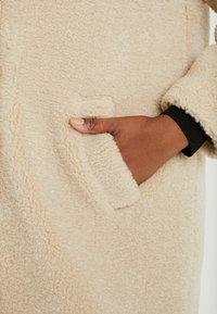 New Look Curves - BORG COAT - Zimní kabát - cream - 5