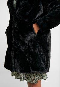 New Look Curves - COAT - Veste d'hiver - black - 4