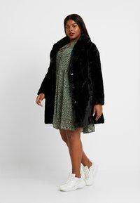 New Look Curves - COAT - Winter coat - black - 1