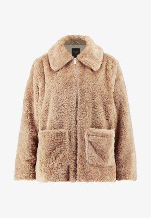 ISLA PATCH POCKET - Light jacket - camel