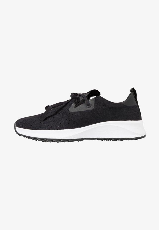 Sneakers - jiffy black/shell white