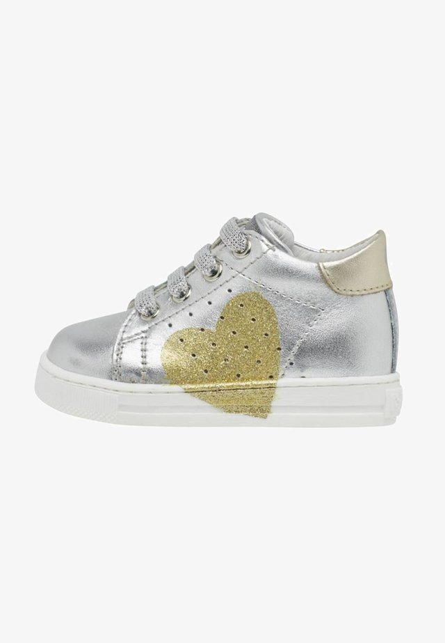 HEART - Baby shoes - silver
