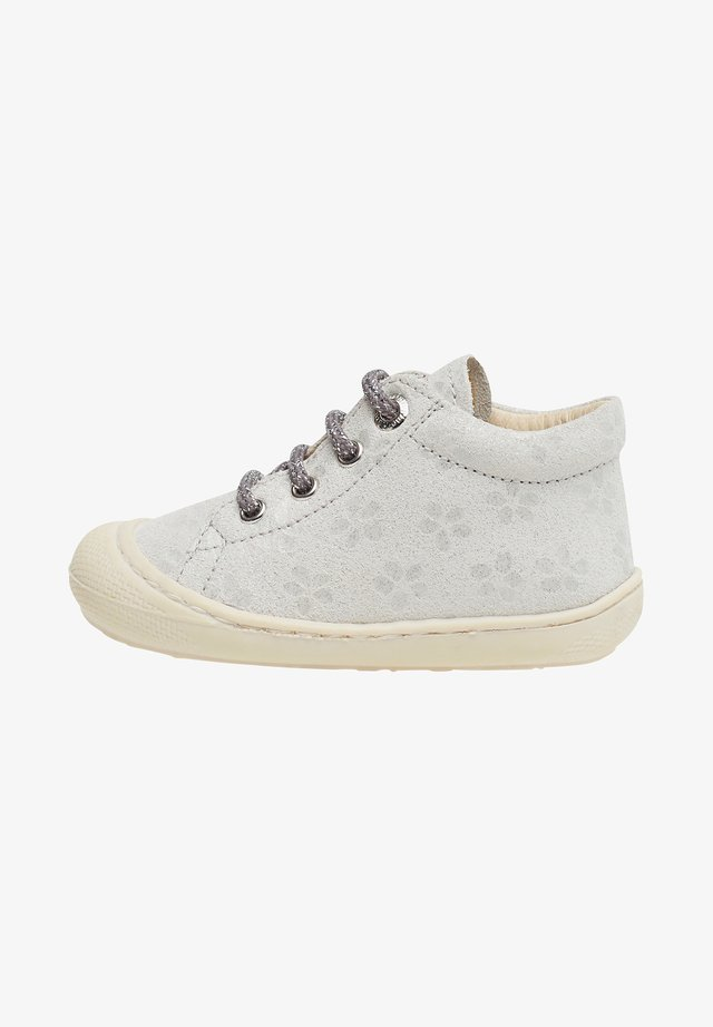 COCOON - Baby shoes - white