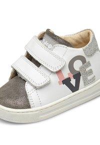 Naturino - Chaussures premiers pas - white - 5