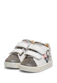 Naturino - Chaussures premiers pas - white - 2