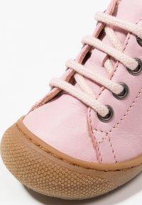Naturino - NATURINO COCOON - Baby shoes - rosa - 2