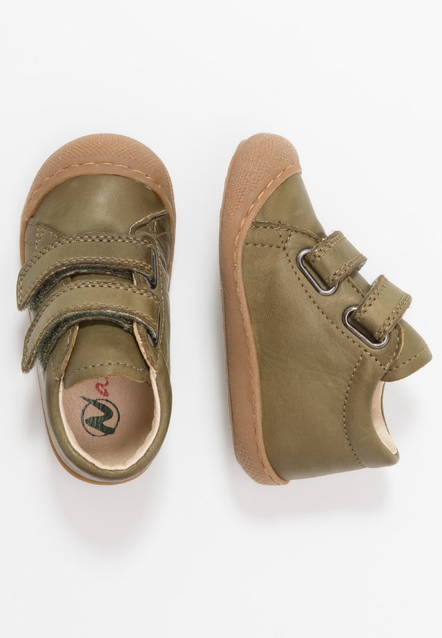 COCOON - Baby shoes - grün